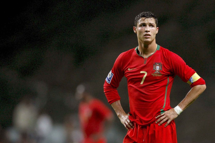 Sad-Cristiano-Ronaldo-Portugal-2008-wallpaper